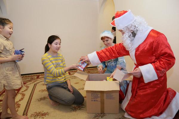 Нур баян стих про новогоднюю ель фото 141-540