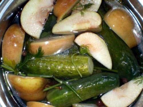 Огурцы в яблочном соке - деликатесный маринад