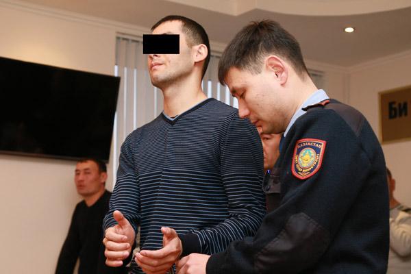 ВКостанае полицейский «крышевал» наркоторговцев заденьги игероин