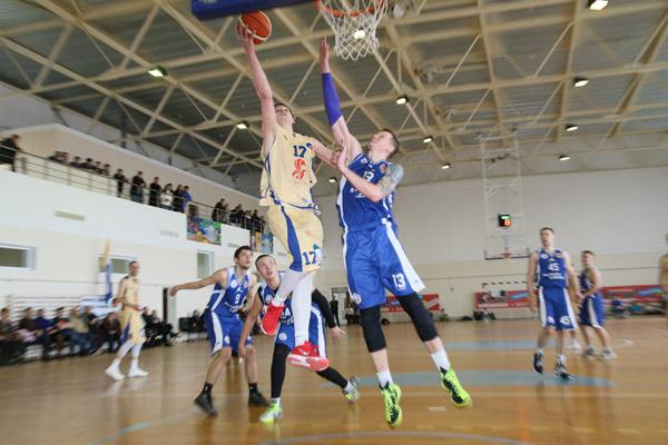 Игрок «Тобола» Антон Быков (№17) признан лучшим тяжелым форвардом турнира