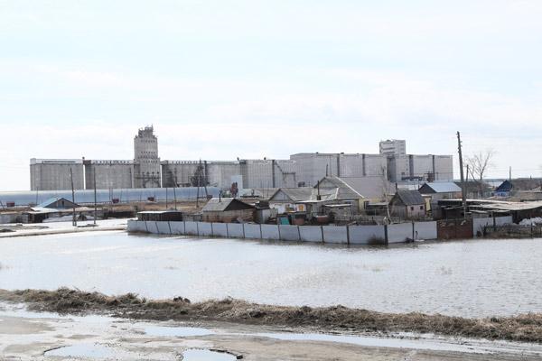 Официально Сарыколь не топит, хотя микрорайон Элеватор райцентра 2 дня был в воде