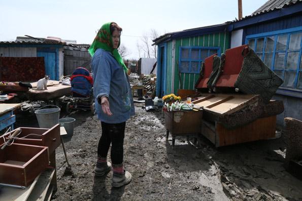 Жительница поселка Зеленовка Антонина Петрова ждет сына из армии, пока его разместить негде