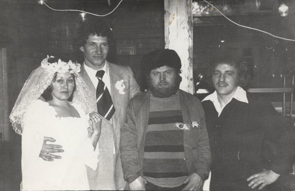 На свадьбе друга в Северобайкальске. Анатолий Стешенко - второй справа