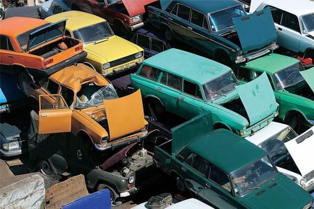Намусорках Казахстана валяется стеклоотходов на4 млрд тенге