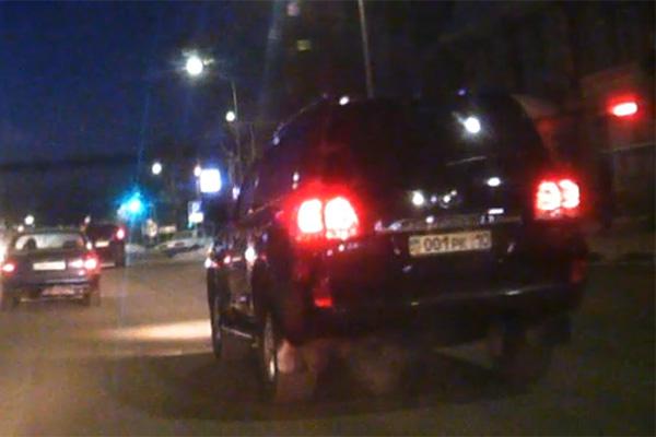 Land Cruiser из скандального видео принадлежит прокуратуре Костанайской области
